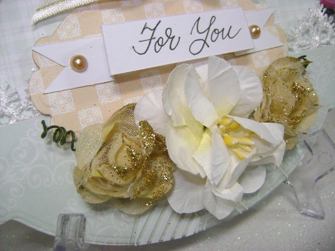 Linda-card-ForYou gold flower