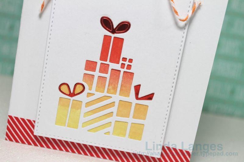 Presents Card CU